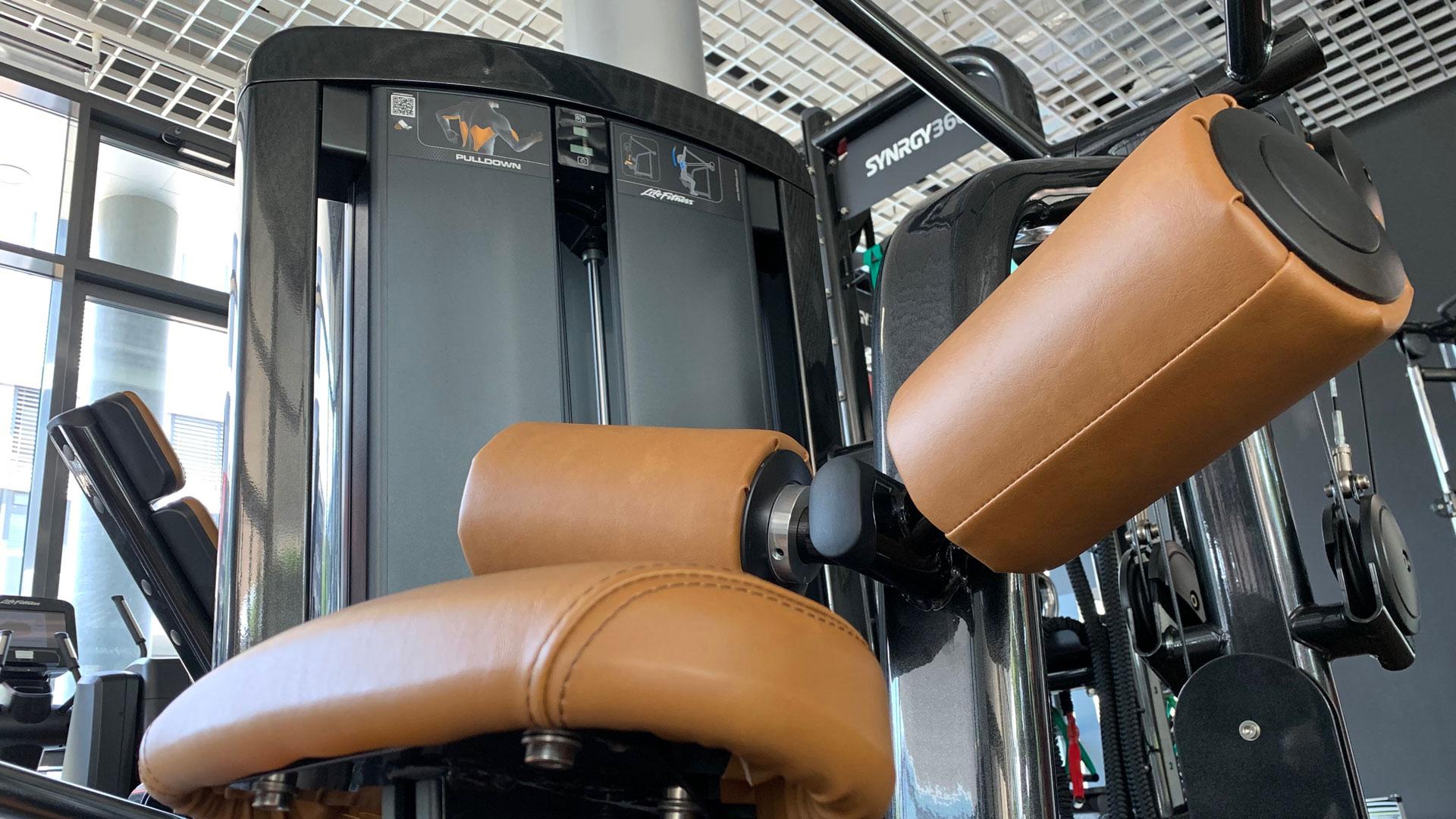 Kraft-Zone mit LifeFitness | BodyWorx | Zug